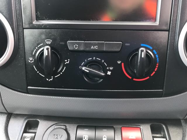 2017 Peugeot Partner 850 1.6 Bluehdi 100 Professional Van [Non Ss] Euro 6 (NU17ZPN) Image 21