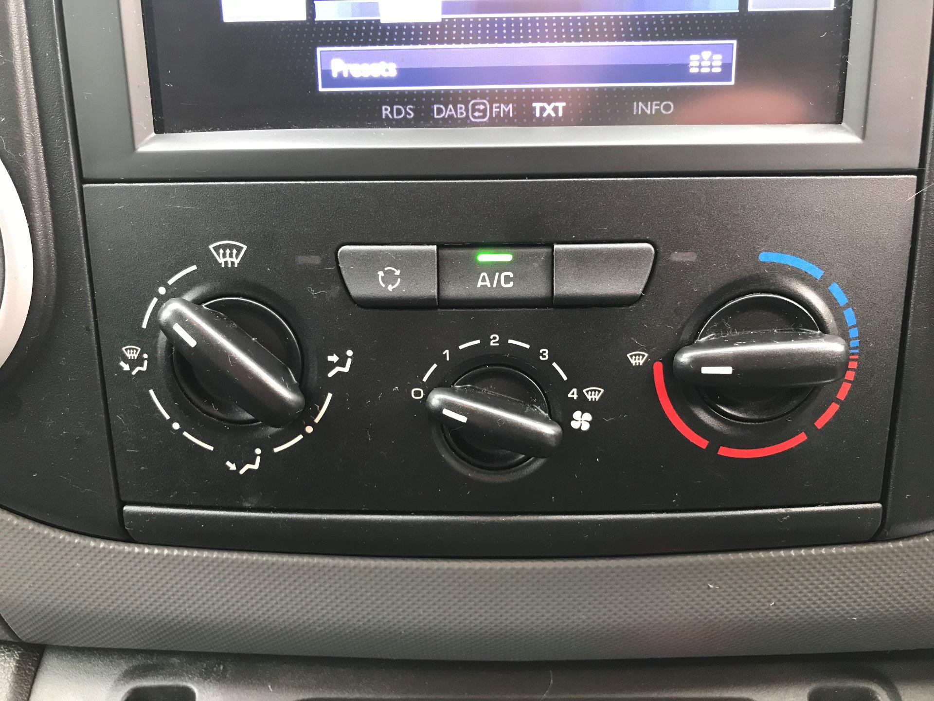 2018 Peugeot Partner L1 850 1.6 BLUEHDI 100 PROFESSIONAL (NON S/S)EURO 6 (NU18DJY) Image 24
