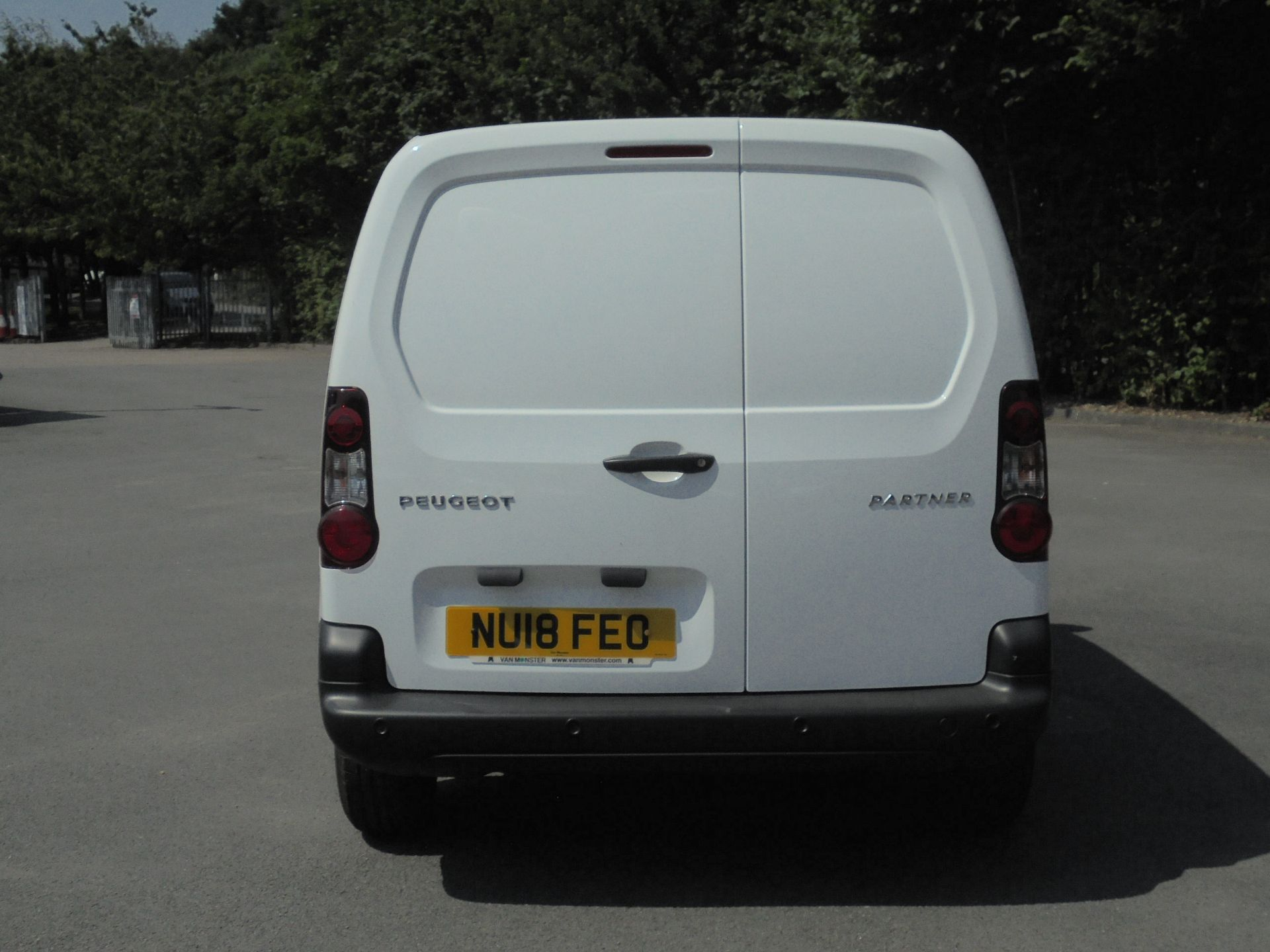 2018 Peugeot Partner 850 1.6 Bluehdi 100 Professional Van [Non Ss] (NU18FEO) Image 8