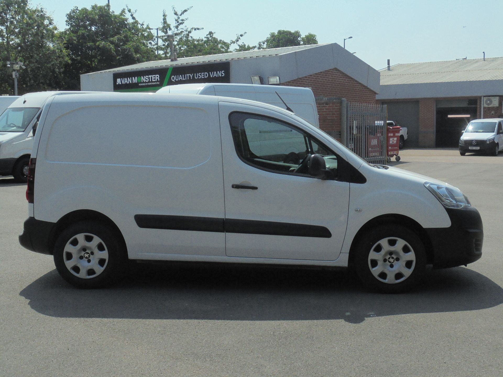 2018 Peugeot Partner 850 1.6 Bluehdi 100 Professional Van [Non Ss] (NU18FEO) Image 11