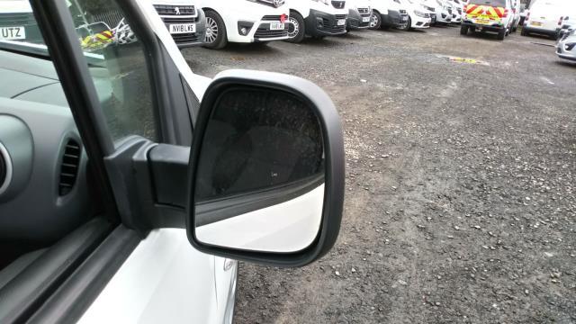 2018 Peugeot Partner 850 1.6 Bluehdi 100 Professional Van [Non Ss] (NU18FJE) Image 12