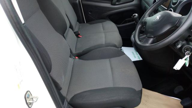 2018 Peugeot Partner 850 1.6 Bluehdi 100 Professional Van [Non Ss] (NU18FJE) Image 13