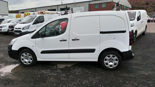 2018 Peugeot Partner 850 1.6 Bluehdi 100 Professional Van [Non Ss] (NU18FJE) Image 7