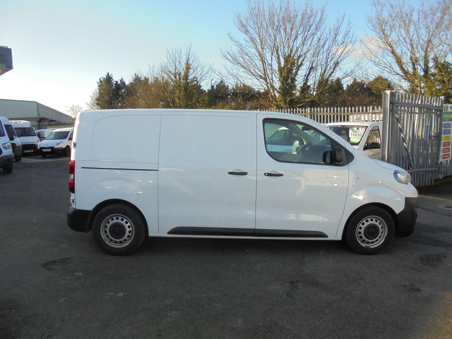 2018 Peugeot Expert 1000 1.6 Bluehdi 95 Professional Van (NU18HZW) Image 3