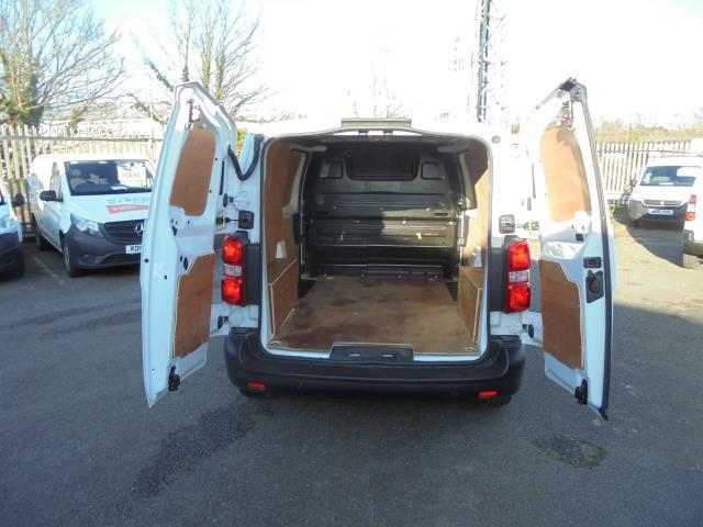 2018 Peugeot Expert 1000 1.6 Bluehdi 95 Professional Van (NU18HZW) Image 8