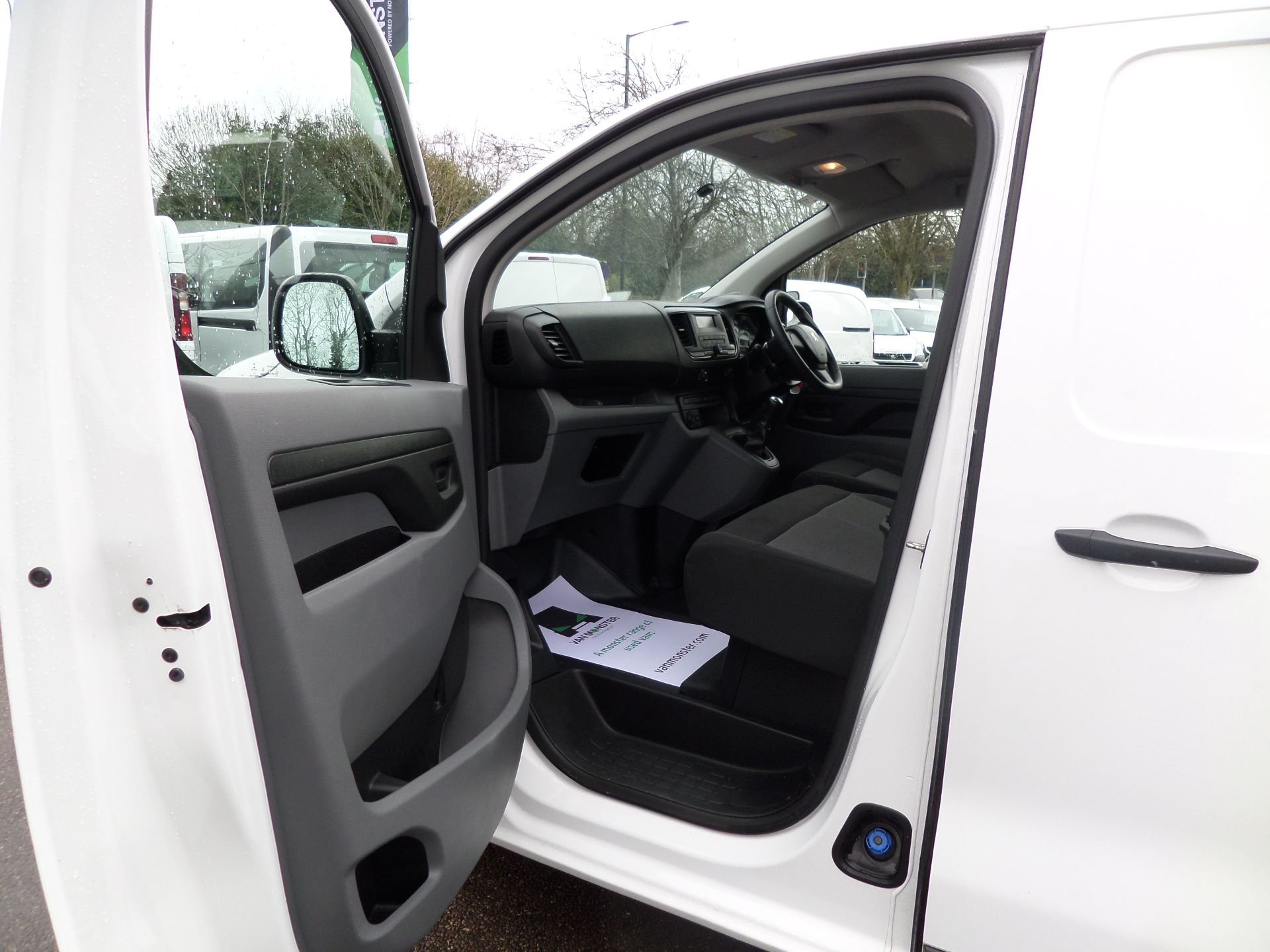 2018 Peugeot Expert 1000 1.6 Bluehdi 95 S Van Euro 6 (NU18LBZ) Image 9