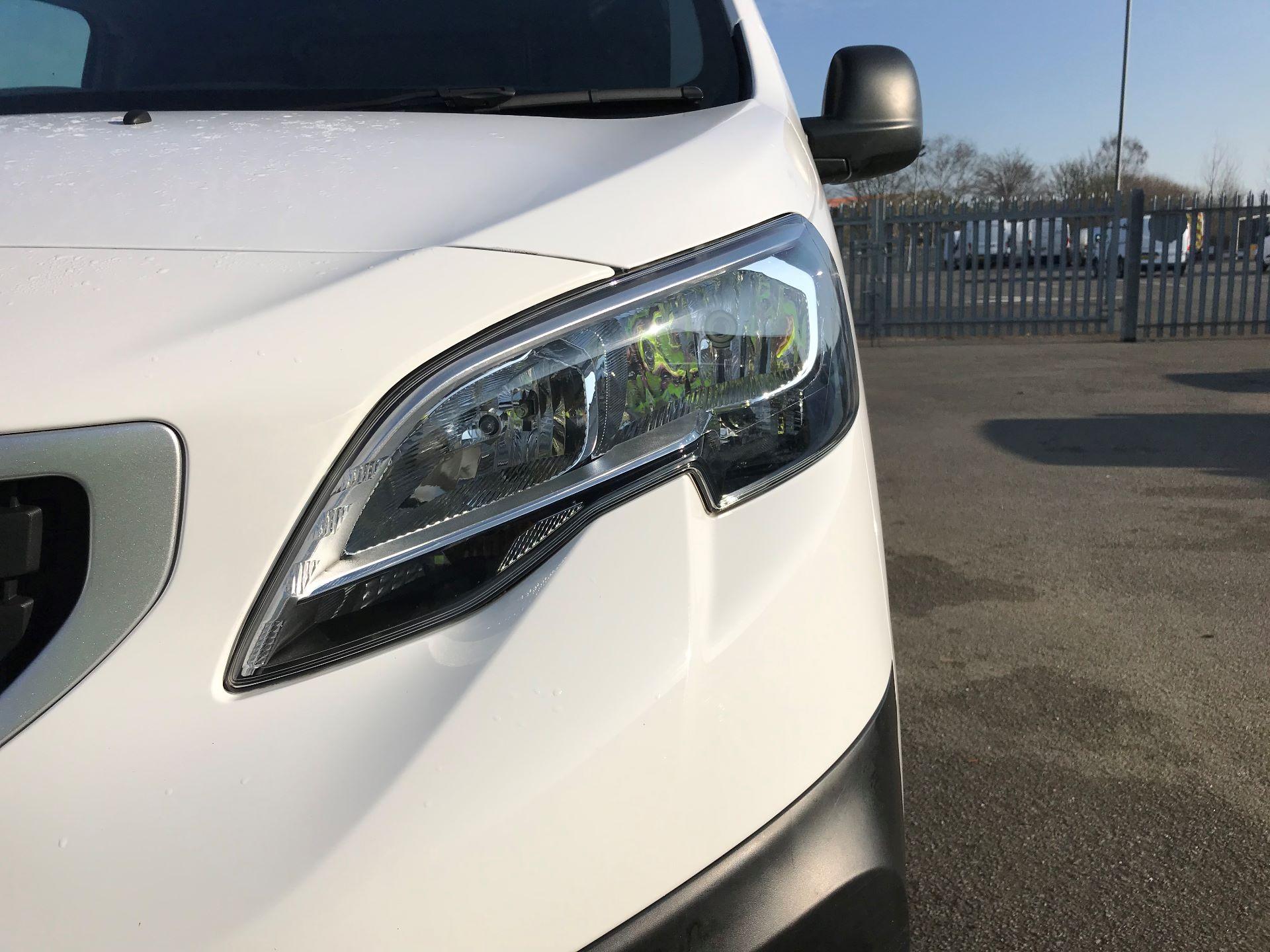 2018 Peugeot Expert STANDARD 1000 1.6 BLUEHDI 95 PROFESSIONAL EURO 6 (NU18MVC) Image 12