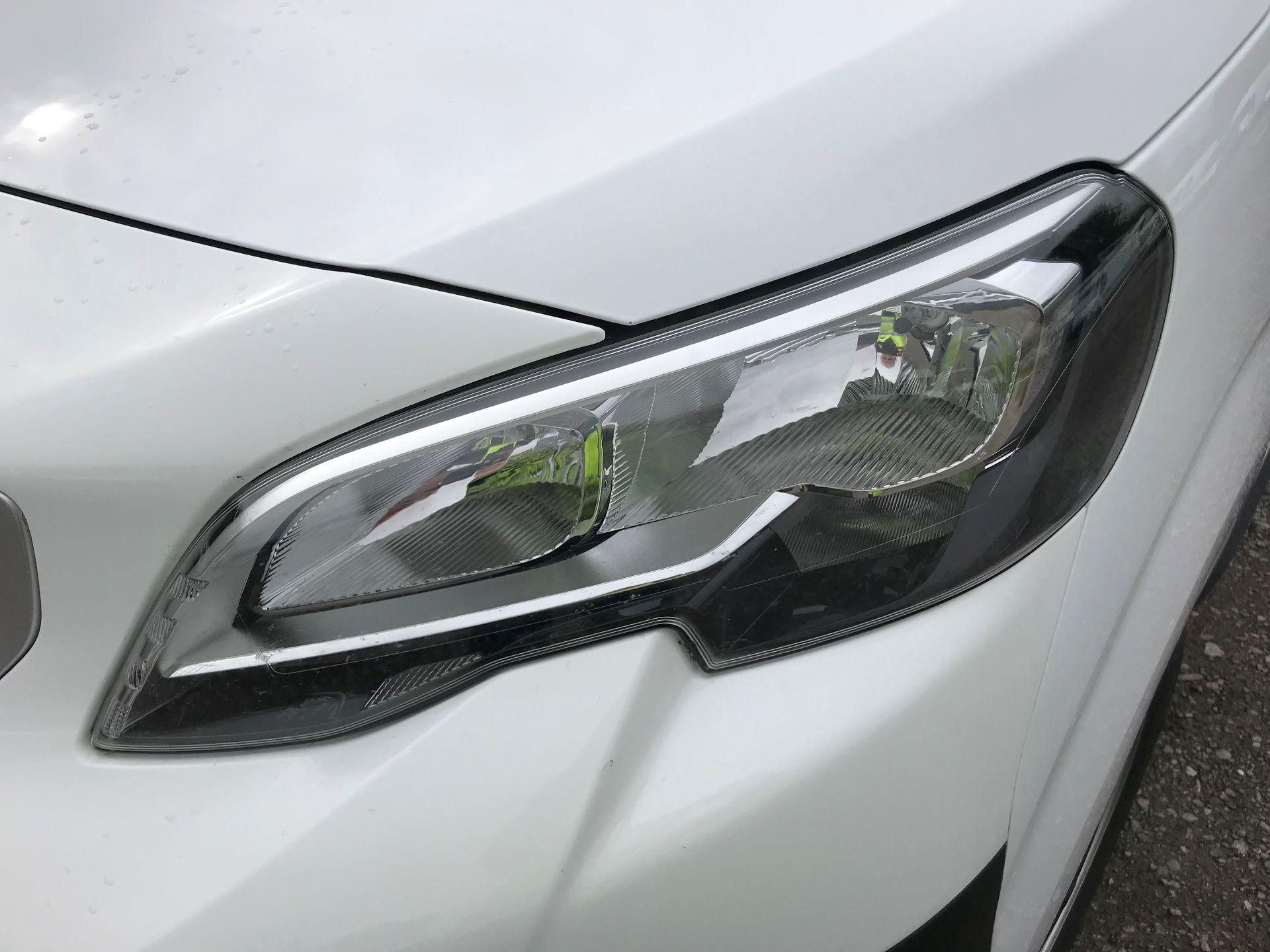 2018 Peugeot Expert STANDARD 1000 1.6 BLUEHDI 95 PROFESSIONAL EURO 6 (NU18PFO) Image 26