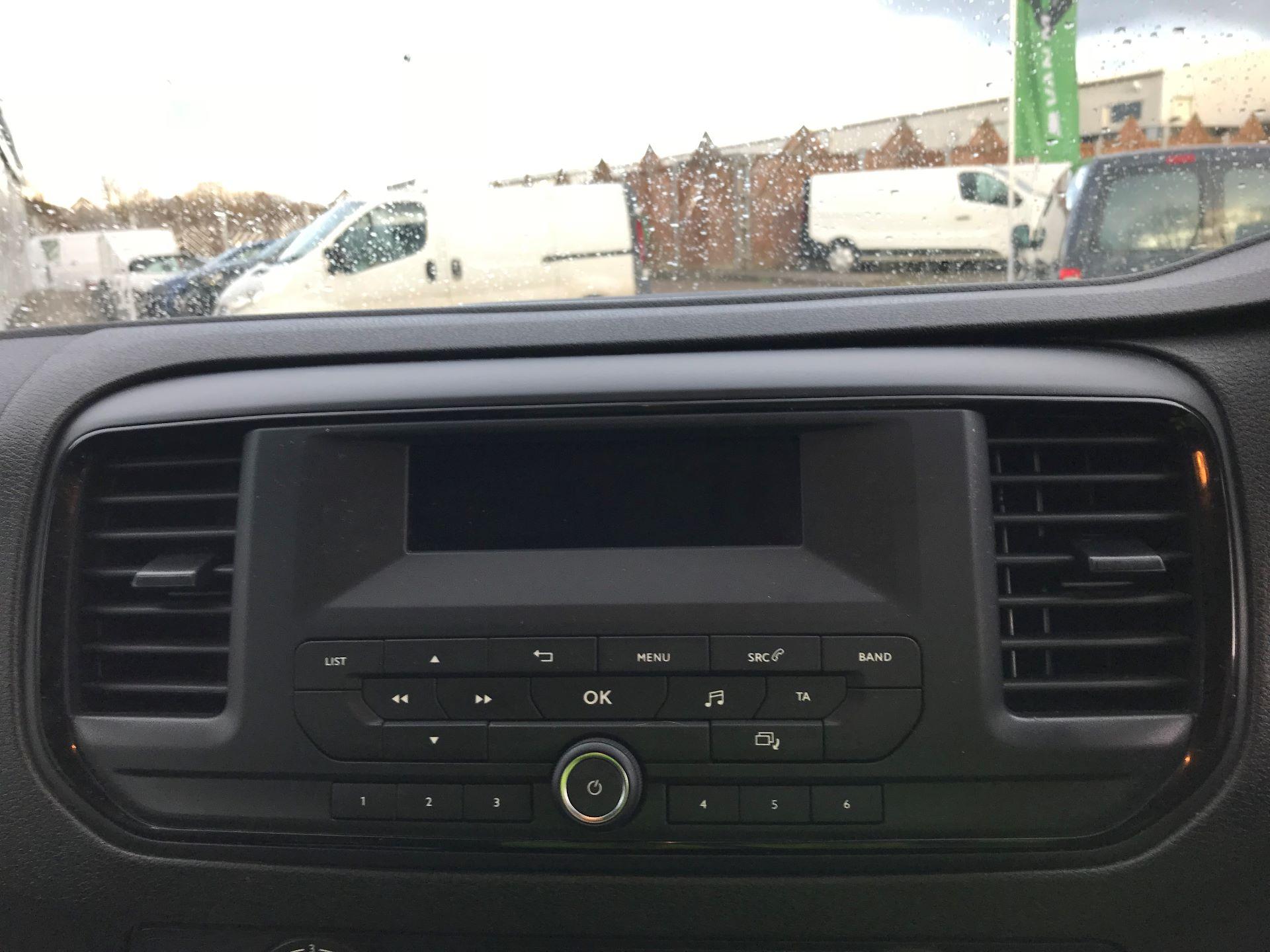 2018 Peugeot Expert  STANDARD 1000 1.6 BLUEHDI 95 S EURO 6 (NU18VTP) Image 19