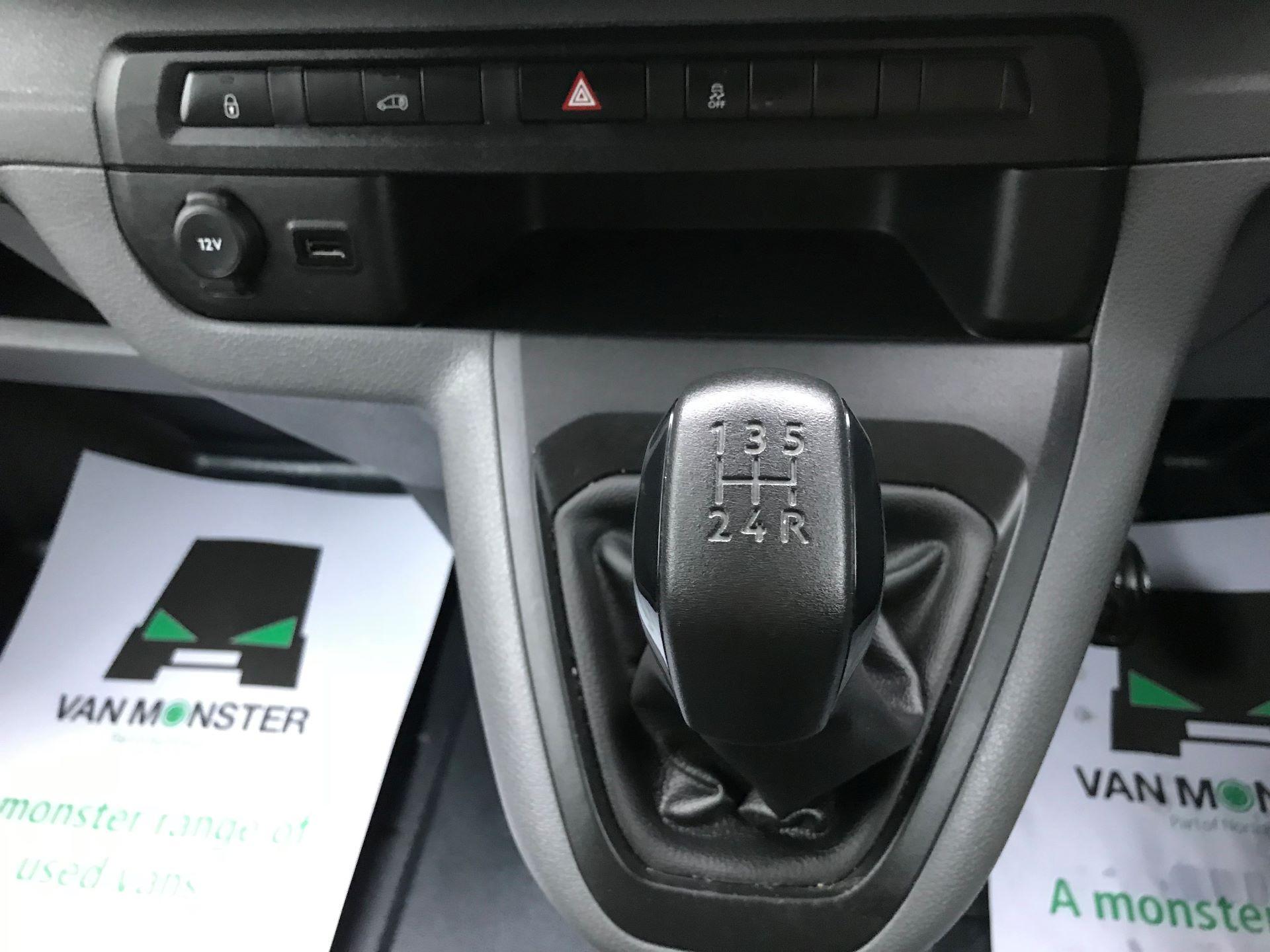 2018 Peugeot Expert STANDARD 1000 1.6 BLUEHDI 95 PROFESSIONAL EURO 6 (NU18VXF) Image 22