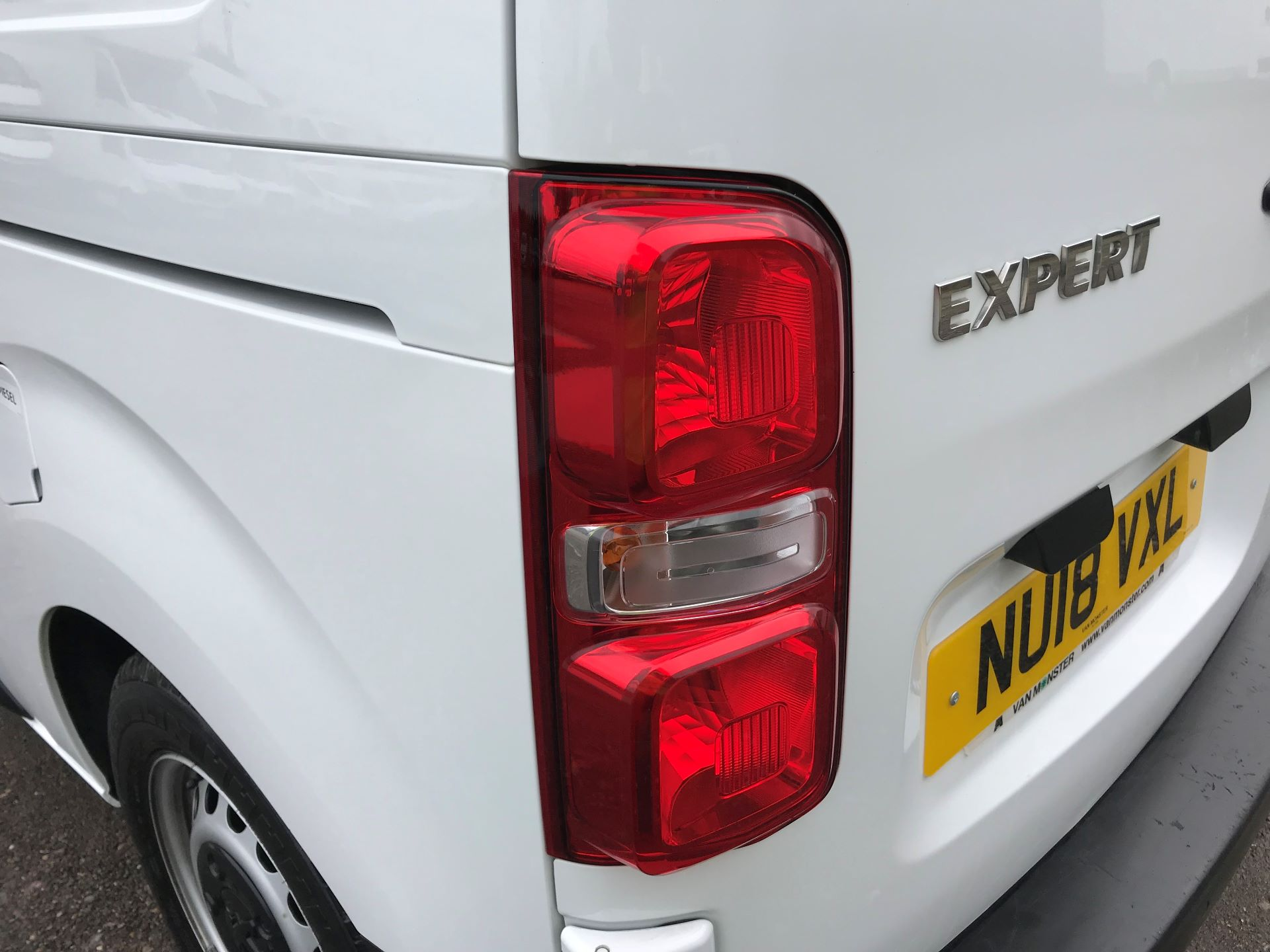 2018 Peugeot Expert STANDARD 1000 1.6 BLUEHDI 95 PROFESSIONAL EURO 6 (NU18VXL) Image 36