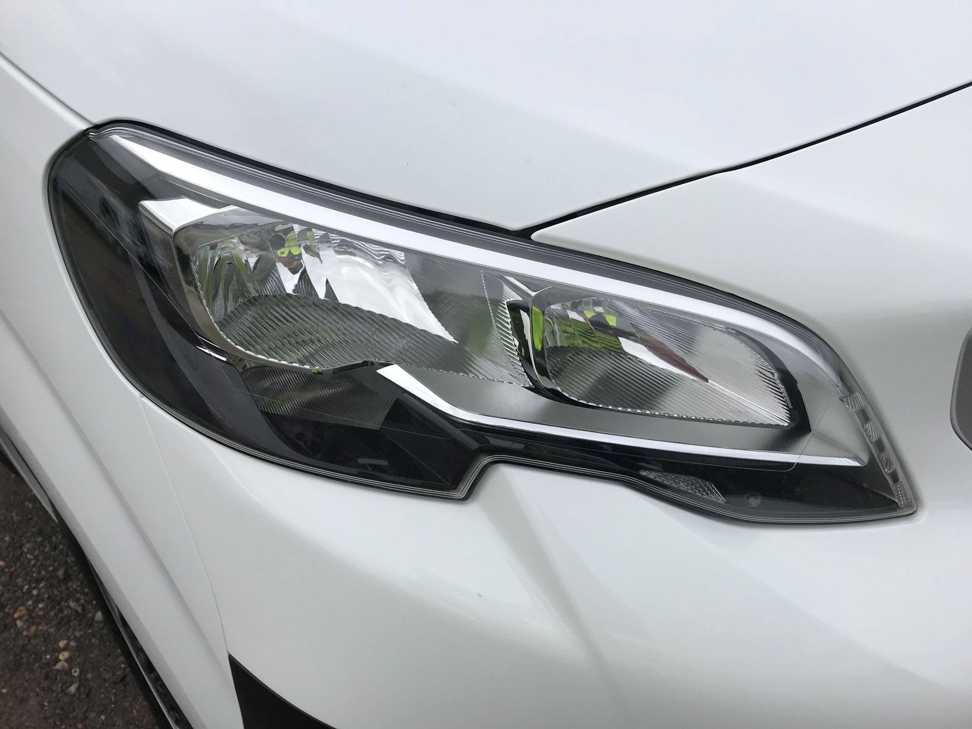2018 Peugeot Expert STANDARD 1000 1.6 BLUEHDI 95 PROFESSIONAL EURO 6 (NU18VXL) Image 32