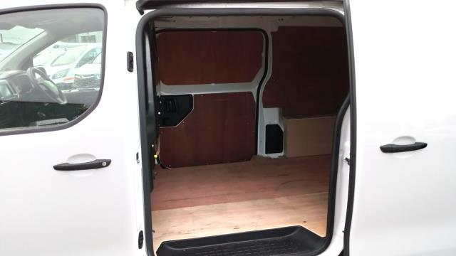 2018 Peugeot Expert 1000 1.6 Bluehdi 95 Professional Van (NU18VYC) Image 9