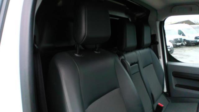 2018 Peugeot Expert 1000 1.6 Bluehdi 95 Professional Van (NU18VYC) Image 15