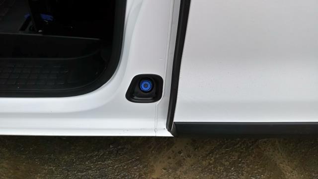 2018 Peugeot Expert 1000 1.6 Bluehdi 95 Professional Van (NU18VYC) Image 11