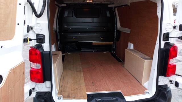 2018 Peugeot Expert 1000 1.6 Bluehdi 95 Professional Van (NU18VYC) Image 8
