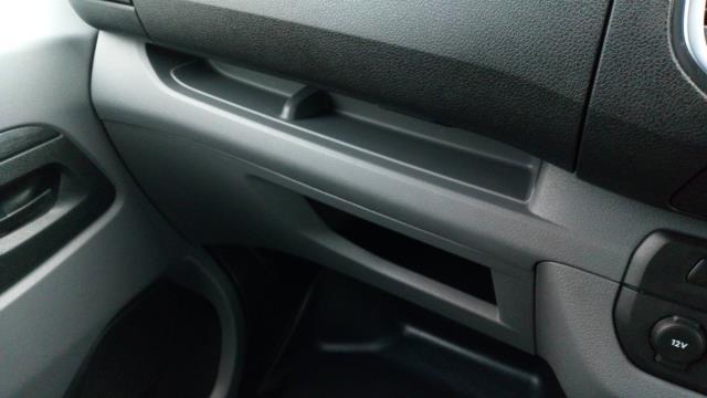 2018 Peugeot Expert 1000 1.6 Bluehdi 95 Professional Van (NU18VYC) Image 25
