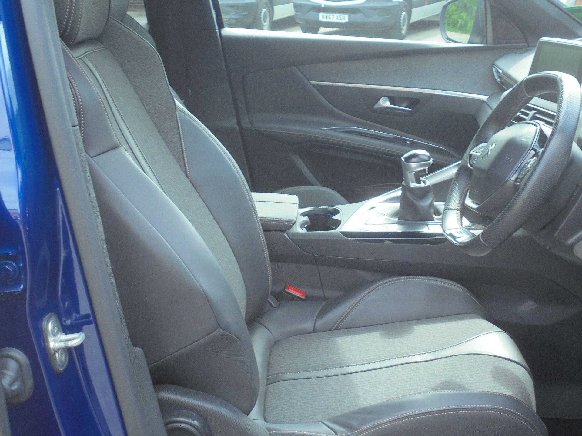2018 Peugeot 3008 1.6 Bluehdi 120 Gt Line 5Dr (NU18WEX) Image 17