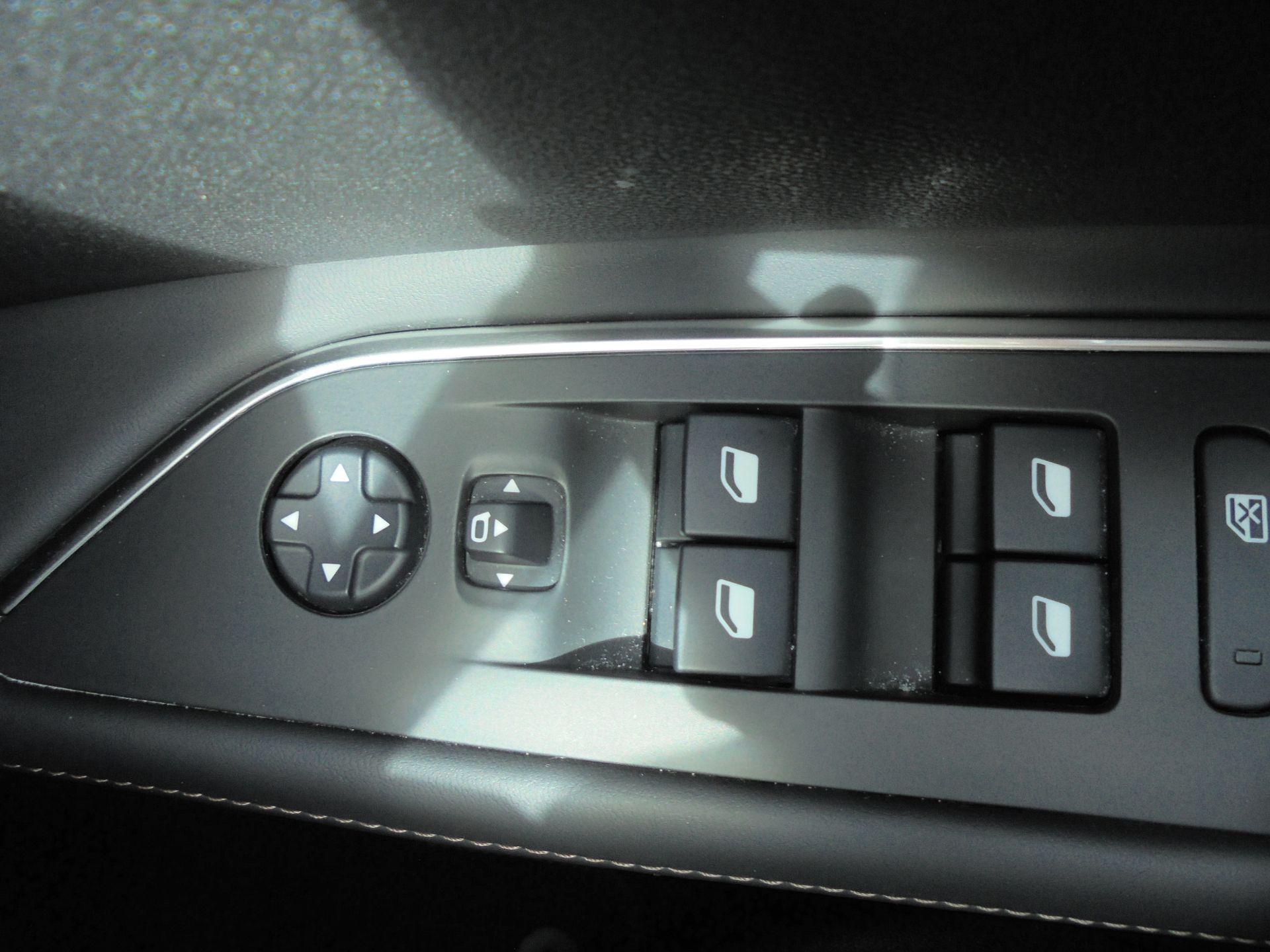 2018 Peugeot 3008 1.6 Bluehdi 120 Gt Line 5Dr (NU18WEX) Image 23