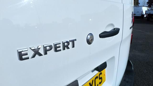 2018 Peugeot Expert 1400 2.0 Bluehdi 120 Professional Van (NU18XCS) Image 12