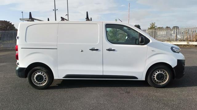 2018 Peugeot Expert 1400 2.0 Bluehdi 120 Professional Van (NU18XCS) Image 8