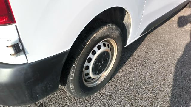 2018 Peugeot Expert 1400 2.0 Bluehdi 120 Professional Van (NU18XCS) Image 14