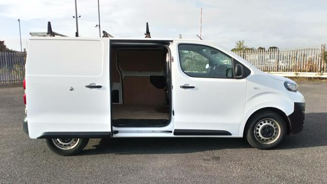 2018 Peugeot Expert 1400 2.0 Bluehdi 120 Professional Van (NU18XCS) Image 11