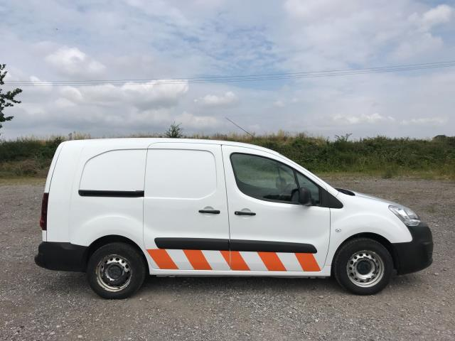 2018 Peugeot Partner  L2 715 S 1.6 BLUEHDI 100 CREW VAN EURO 6 *Restricted to 70MPH* (NU18XZS) Image 7