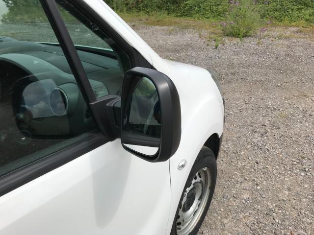 2018 Peugeot Partner  L2 715 S 1.6 BLUEHDI 100 CREW VAN EURO 6 *Restricted to 70MPH* (NU18XZS) Image 30