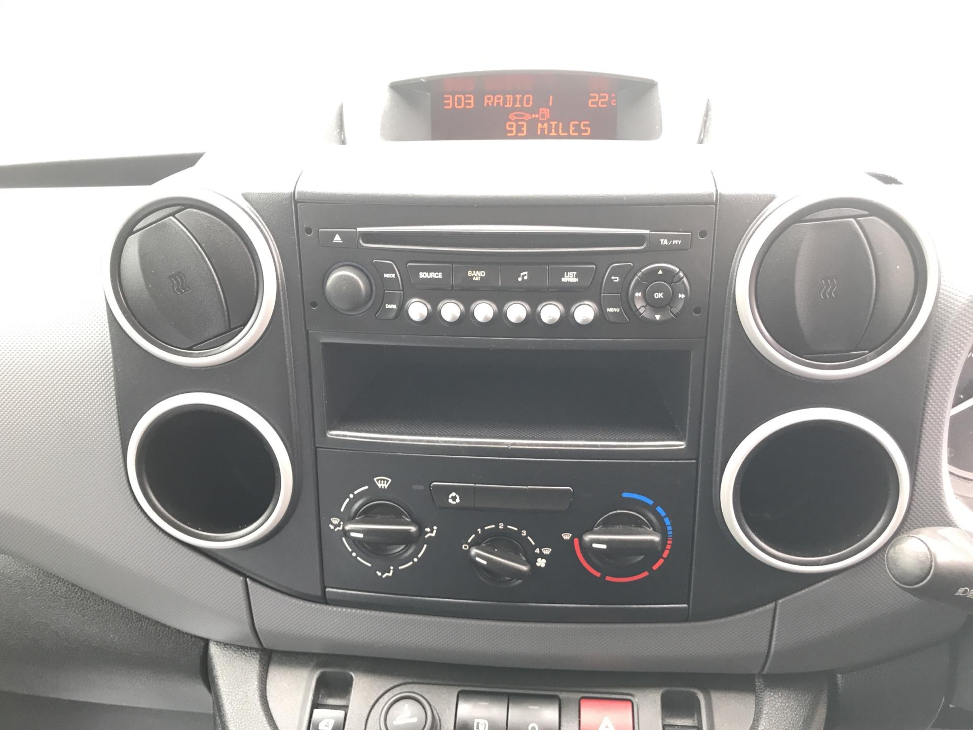 2013 Peugeot Partner  L1 850 S 1.6 92PS (SLD) EURO 5 (NU63XNP) Image 10