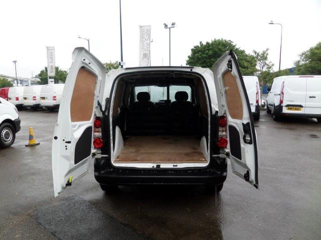 2014 Peugeot Partner 850 S 1.6 Hdi 92 Van [Sld] EURO 5 (NU64DJF) Image 11
