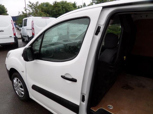 2014 Peugeot Partner 850 S 1.6 Hdi 92 Van [Sld] EURO 5 (NU64DJF) Image 13