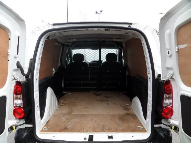2014 Peugeot Partner 850 S 1.6 Hdi 92 Van [Sld] EURO 5 (NU64DJF) Image 14
