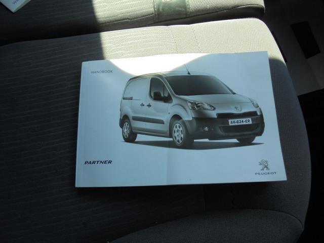 2014 Peugeot Partner L1 850 S 1.6 92PS (SLD) EURO 5 (NU64DXP) Image 29