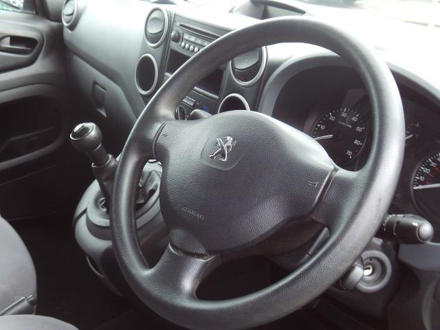 2014 Peugeot Partner L1 850 SE 1.6HDI 92PS EURO 5 3 SEATS (NU64OBH) Image 9