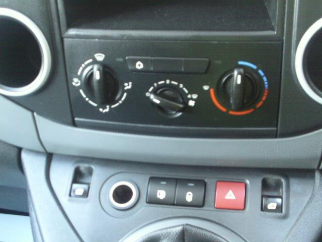 2014 Peugeot Partner L1 850 S 1.6 92PS (SLD) EURO 5 (NU64VFO) Image 31