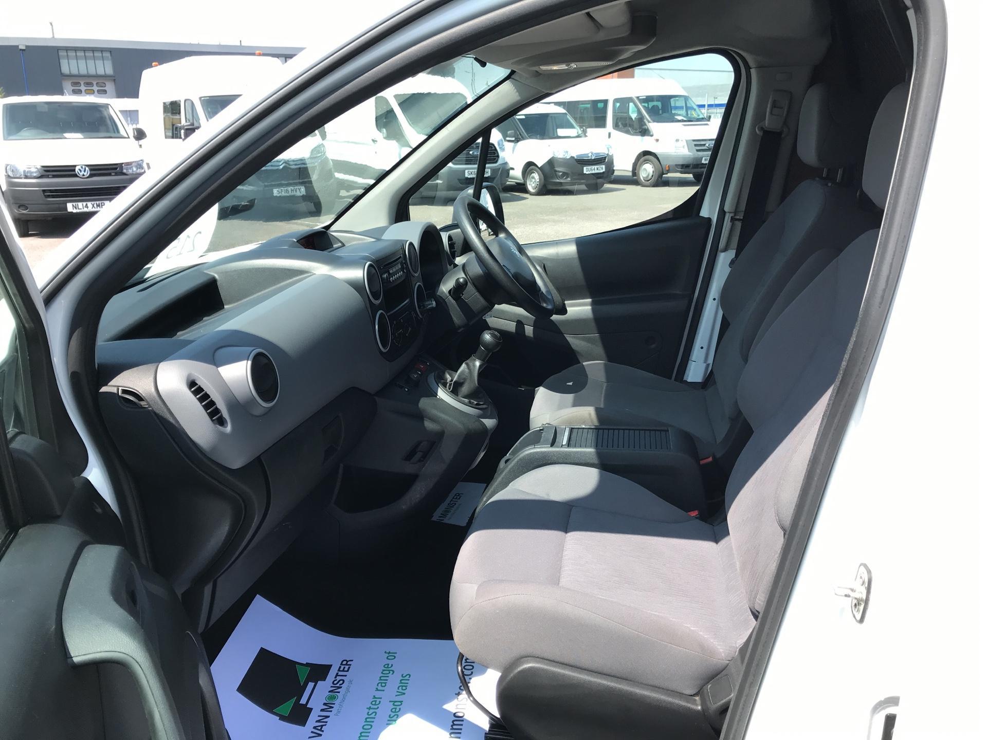 2014 Peugeot Partner  L1 850 S 1.6 92PS (SLD) EURO 5 (NU64XNO) Image 14