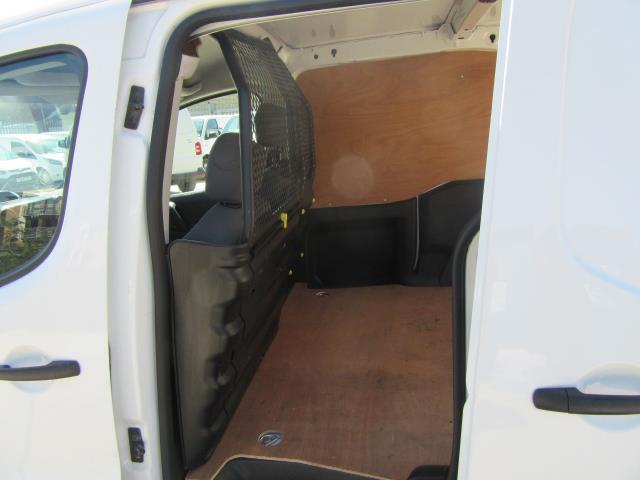 2014 Peugeot Partner L1 850 S 1.6 92PS (SLD) EURO 5 (NU64ZVY) Image 12