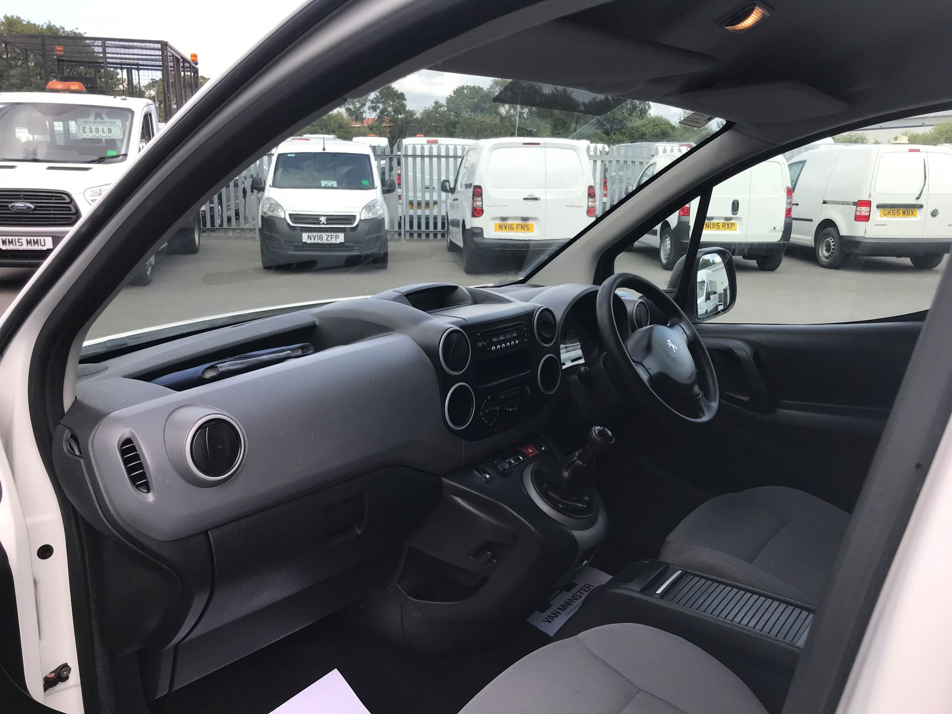 2015 Peugeot Partner L1 850 S 1.6 92PS (SLD) EURO 5 (NU65BVY) Image 16