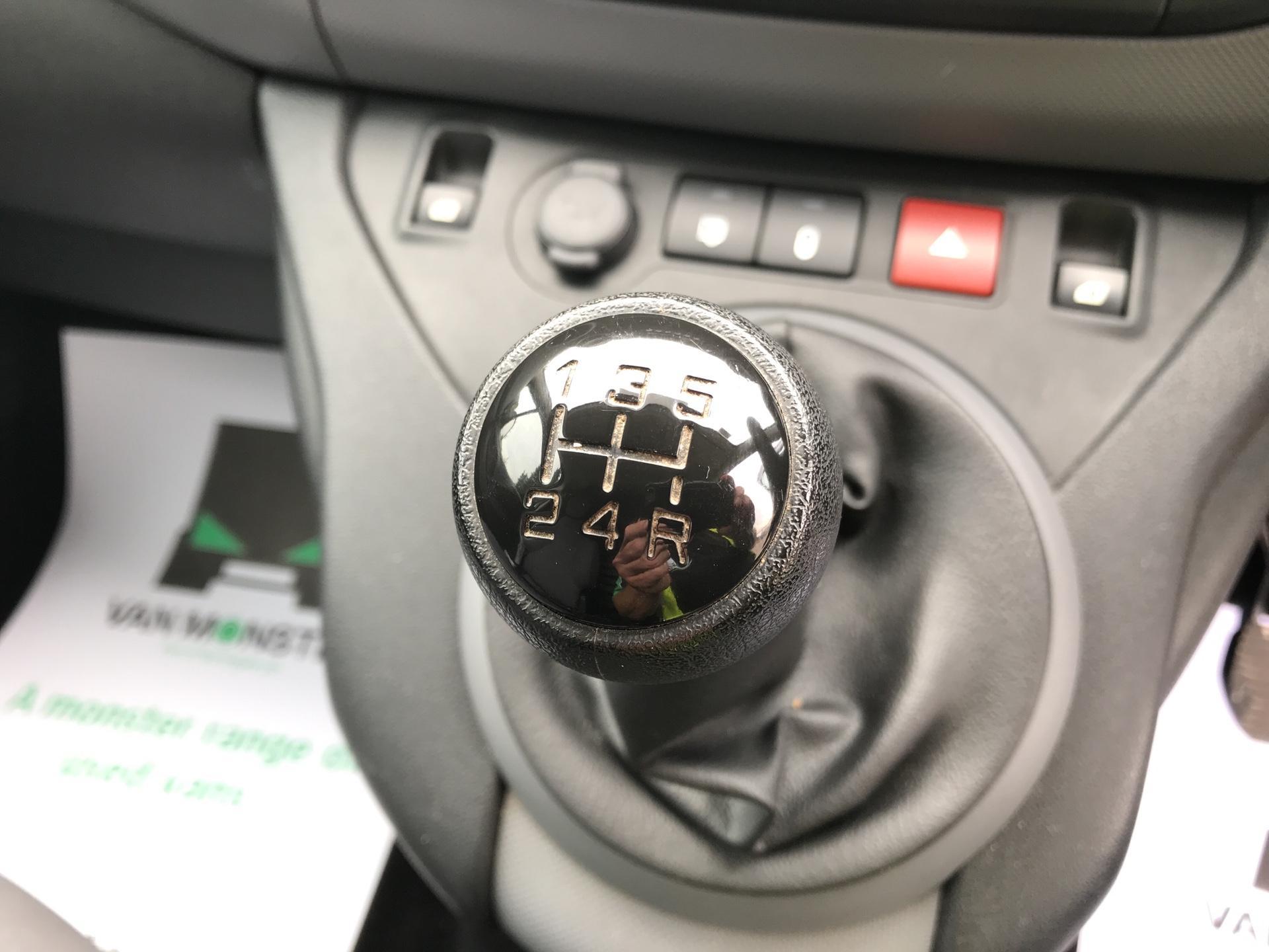 2015 Peugeot Partner  L1 850 1.6 92PS (SLD) EURO 5  (NU65CJJ) Image 11