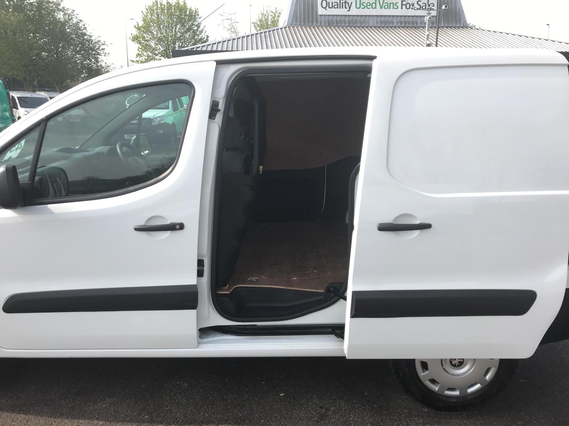 2015 Peugeot Partner 850 S 1.6 Hdi 92 Van [Sld] Euro 5 (NU65CLX) Image 18