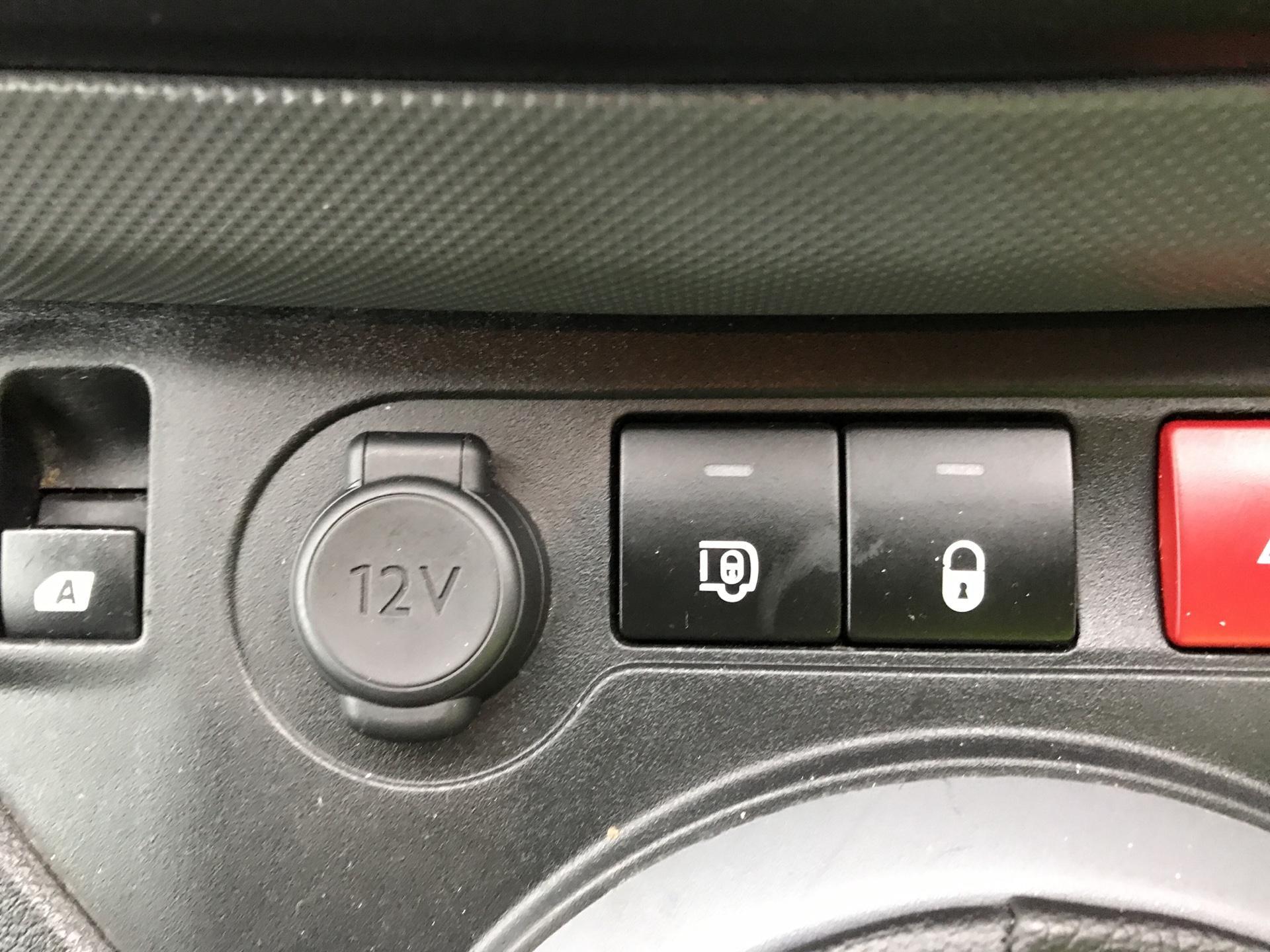 2015 Peugeot Partner  L1 850 S 1.6 92PS (SLD) EURO 5 (NU65CSF) Image 18