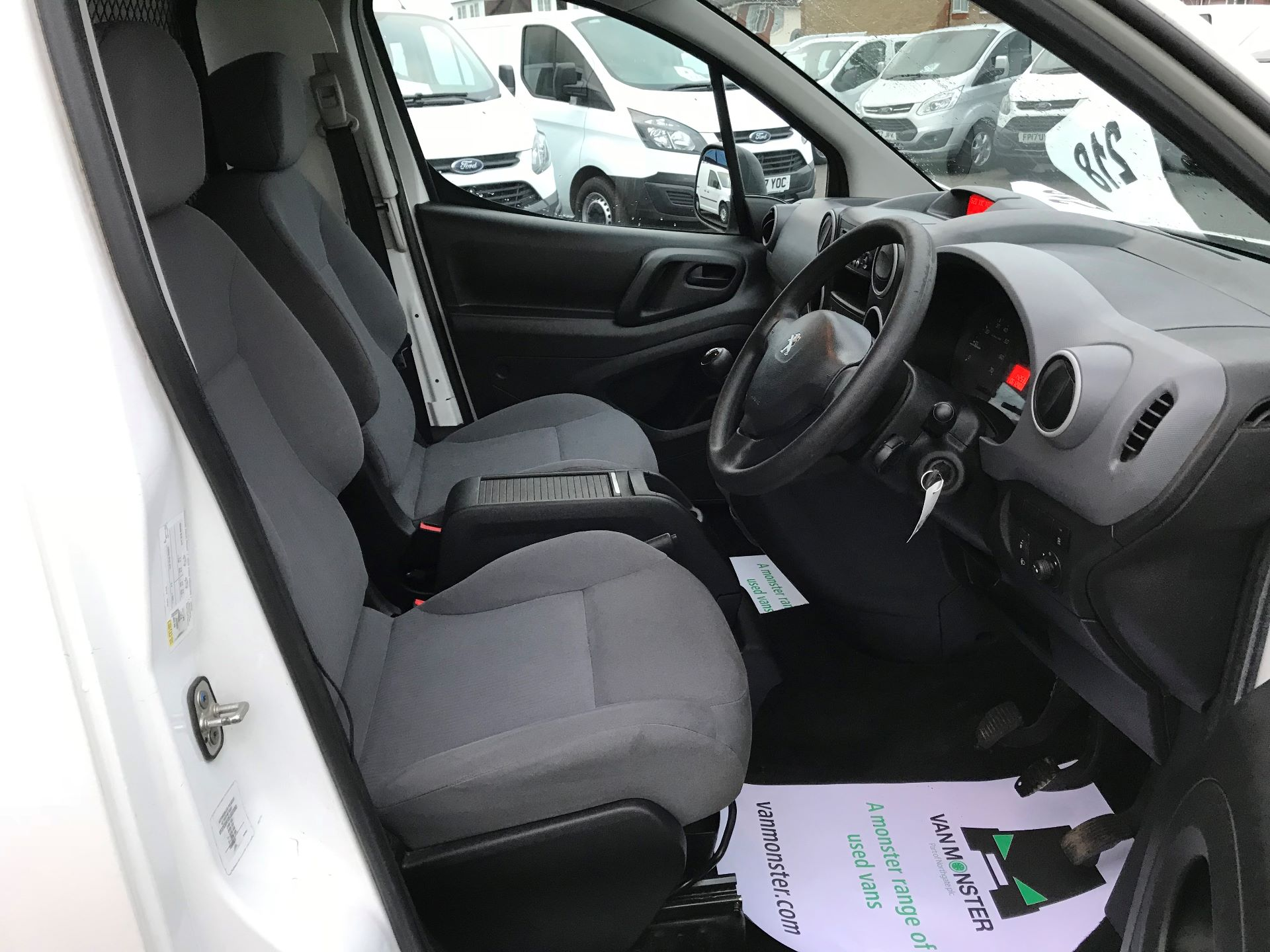 2016 Peugeot Partner  L1 850 1.6 92PS (SLD) EURO 5  (NU65CVM) Image 22