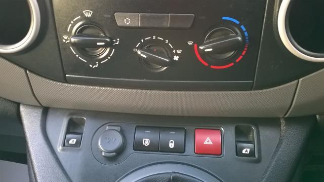 2015 Peugeot Partner L1 850 S 1.6 92PS (SLD) EURO 5 (NU65CXJ) Image 24