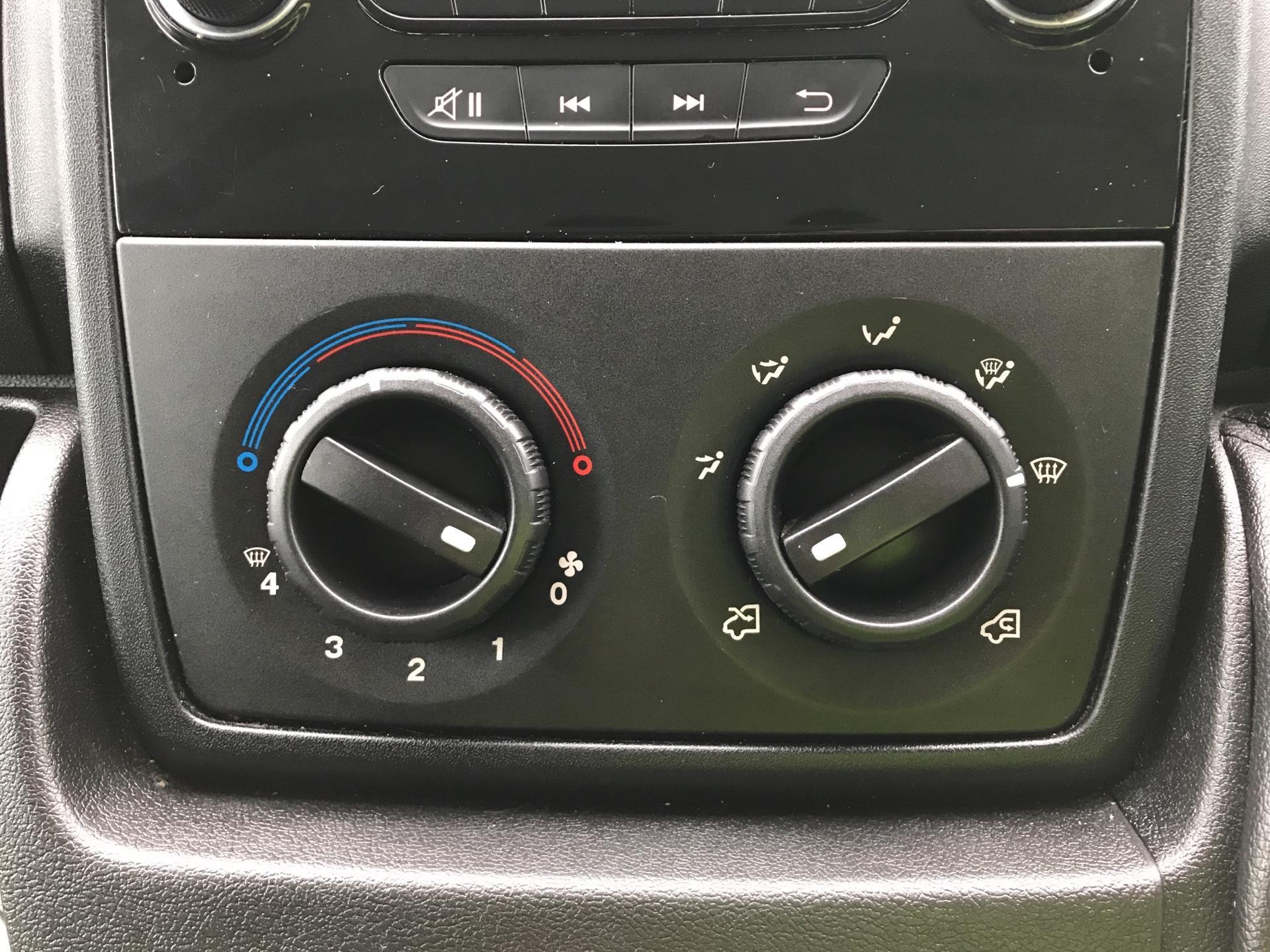 2015 Peugeot Boxer L3 H2 2.2 130PS VAN EURO 5 (NU65DFD) Image 19