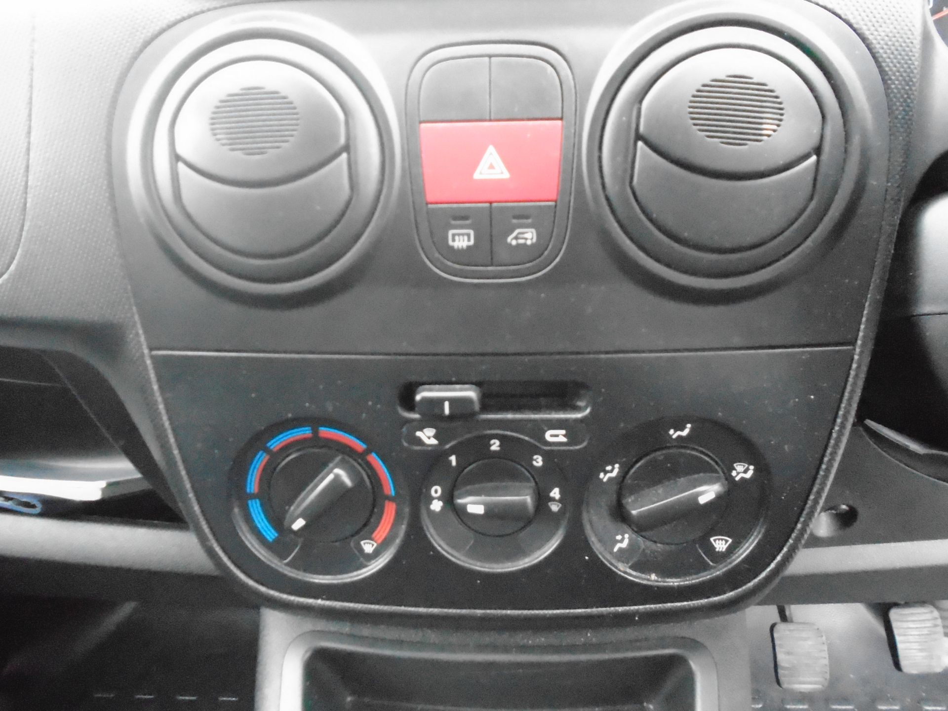 2015 Peugeot Bipper 1.3 Hdi 75 S Plus Pack [Sld] (NU65EBC) Image 19