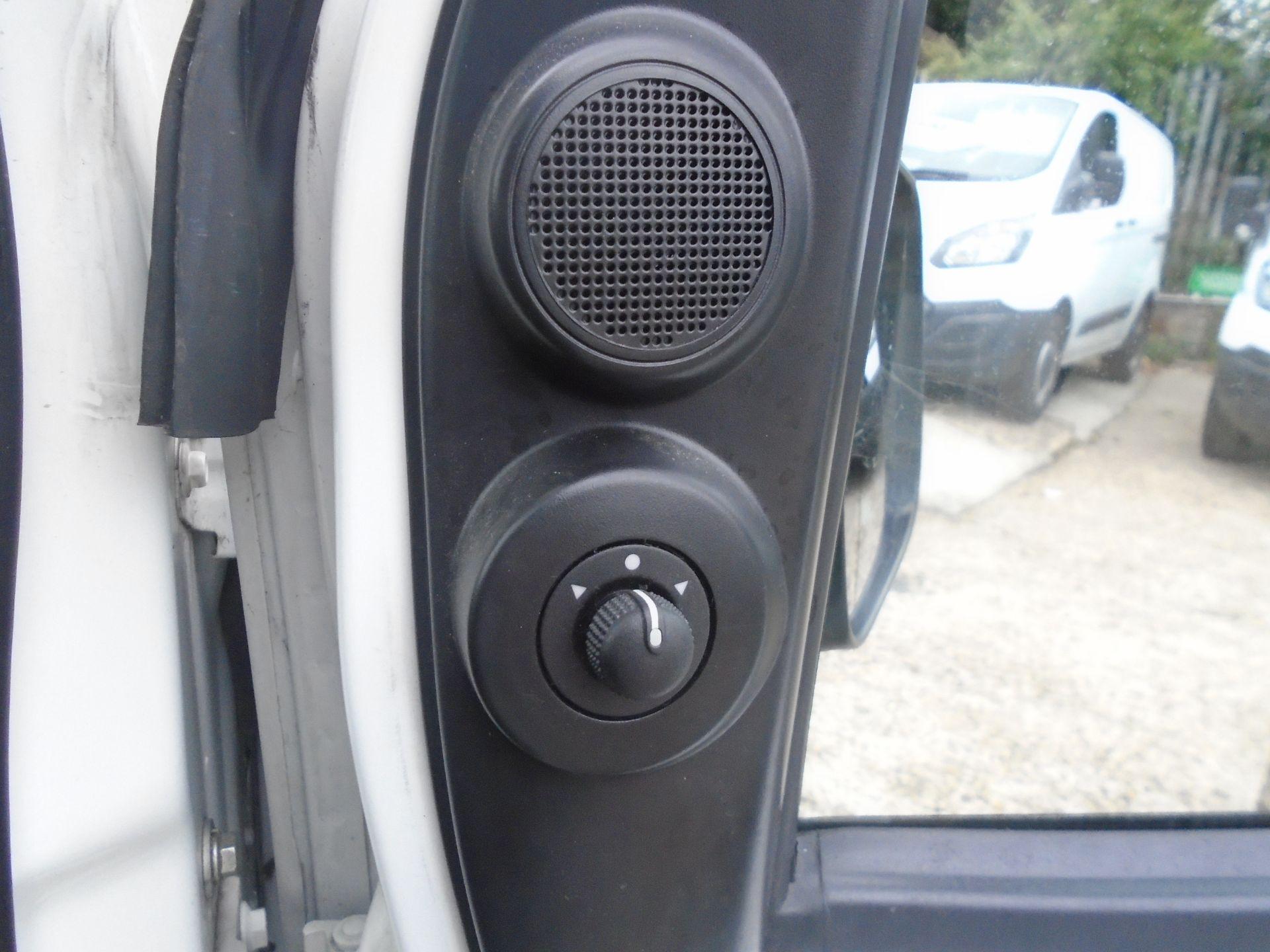 2015 Peugeot Bipper 1.3 Hdi 75 S Plus Pack [Sld] (NU65EBC) Image 23