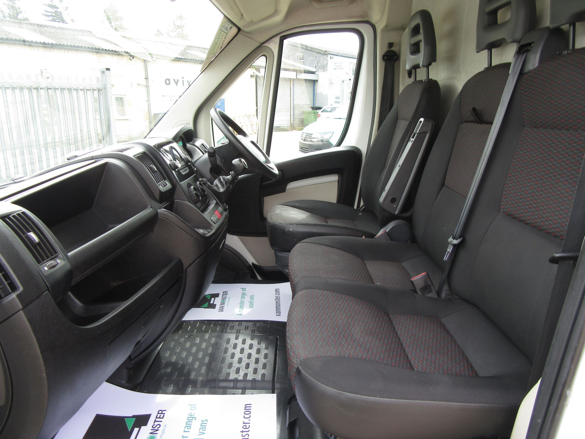 2015 Peugeot Boxer L3 H2 2.2 130PS EURO 5 (NU65HWA) Image 23