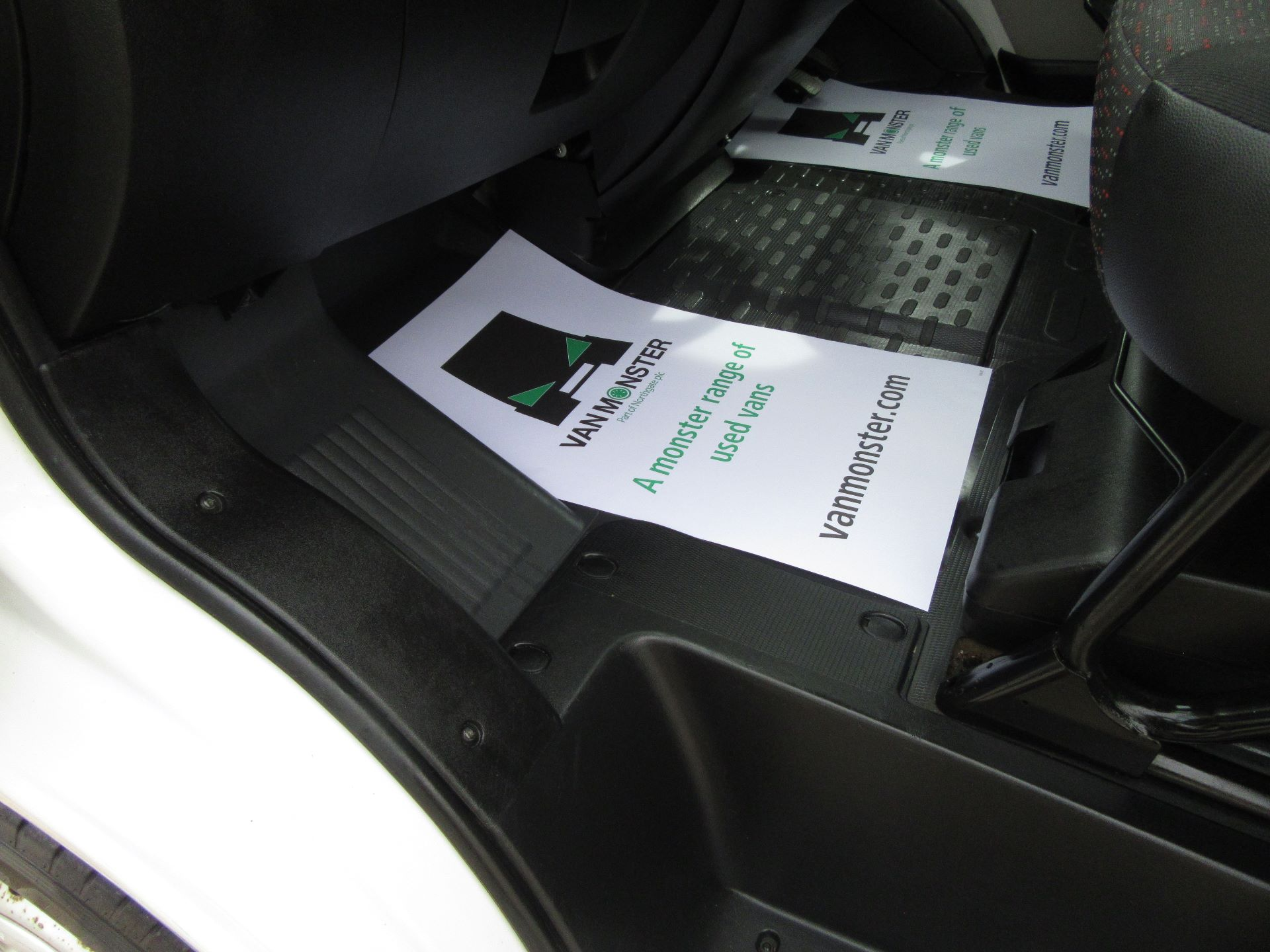 2015 Peugeot Boxer L3 H2 2.2 130PS EURO 5 (NU65HWA) Image 24
