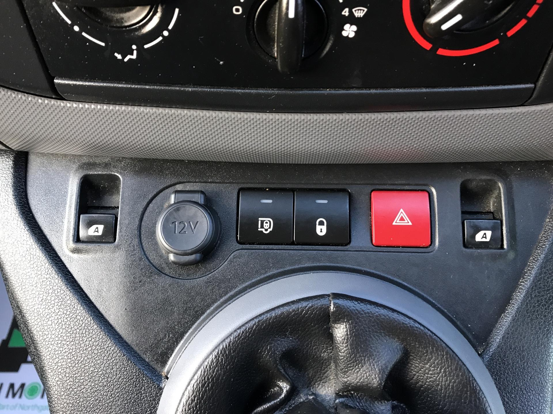 2015 Peugeot Partner L1 850 S 1.6 92PS (SLD) EURO 5 (NU65MHJ) Image 21